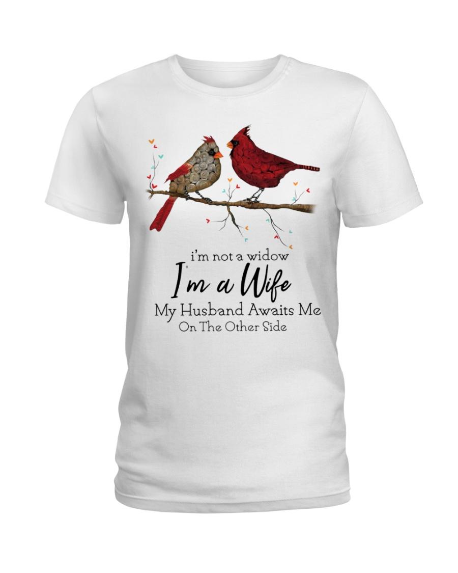 Cardinal bird i'm not a widow i'm a wife lady shirt