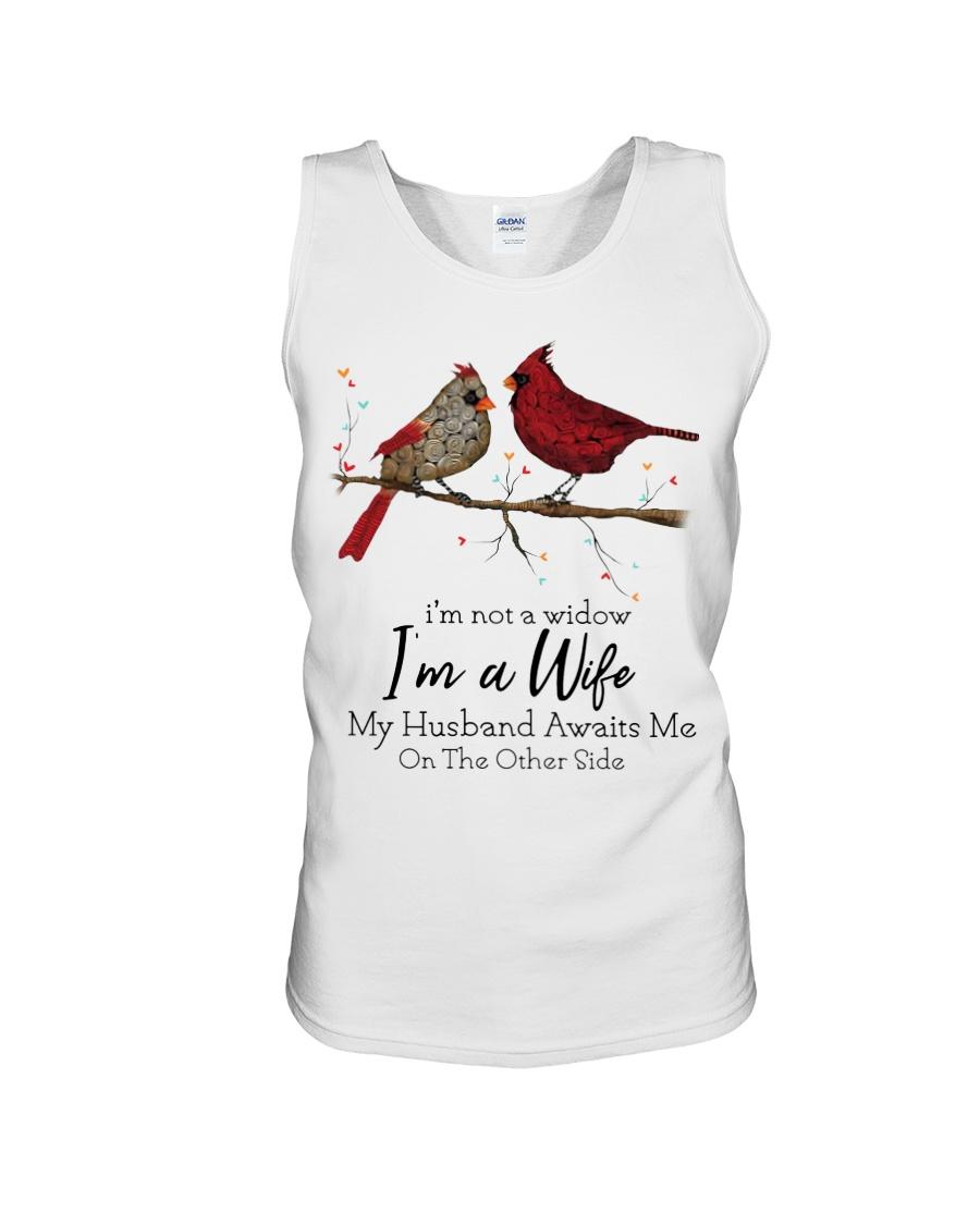 Cardinal bird i'm not a widow i'm a wife tank top
