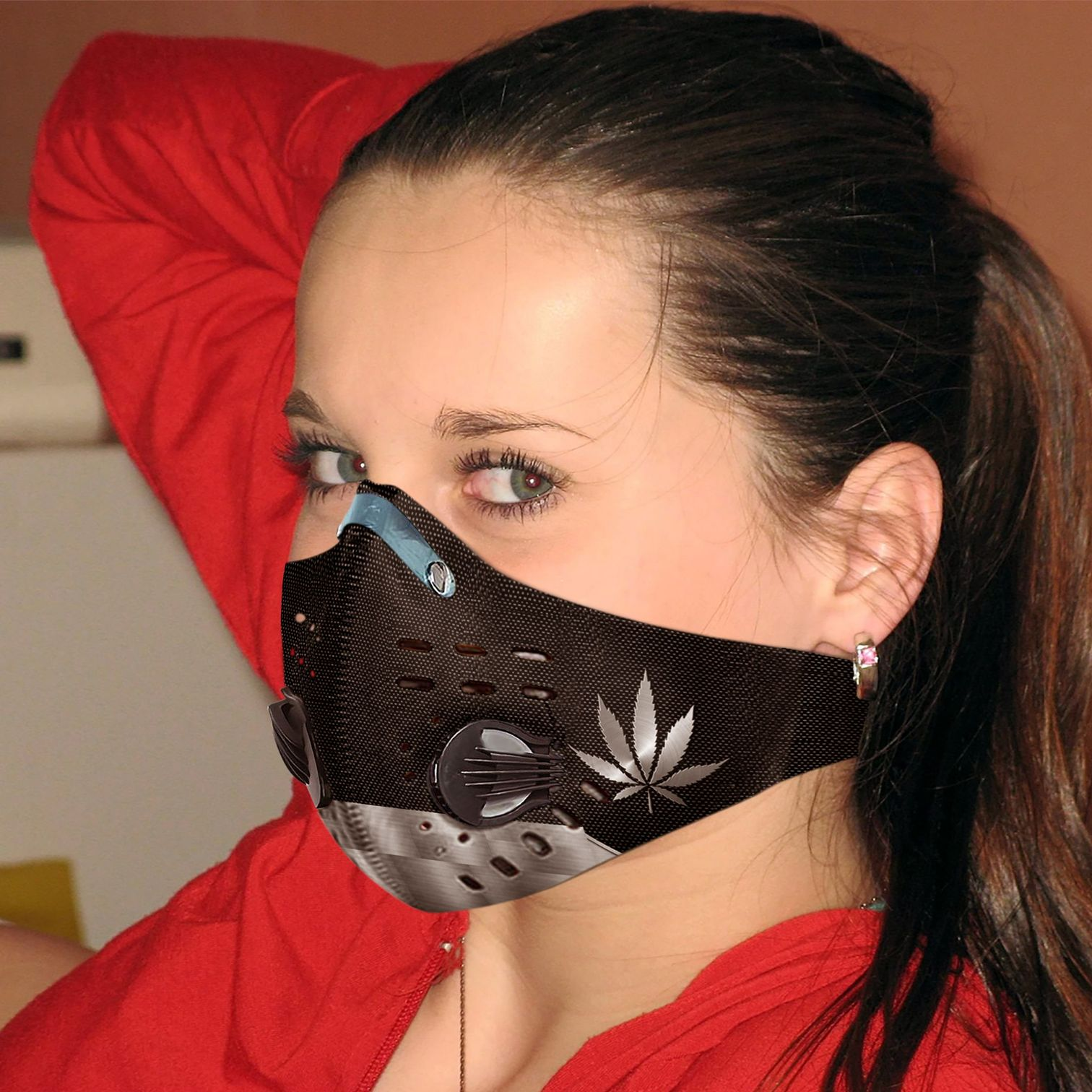 Love cannabis carbon pm 2,5 face mask 3
