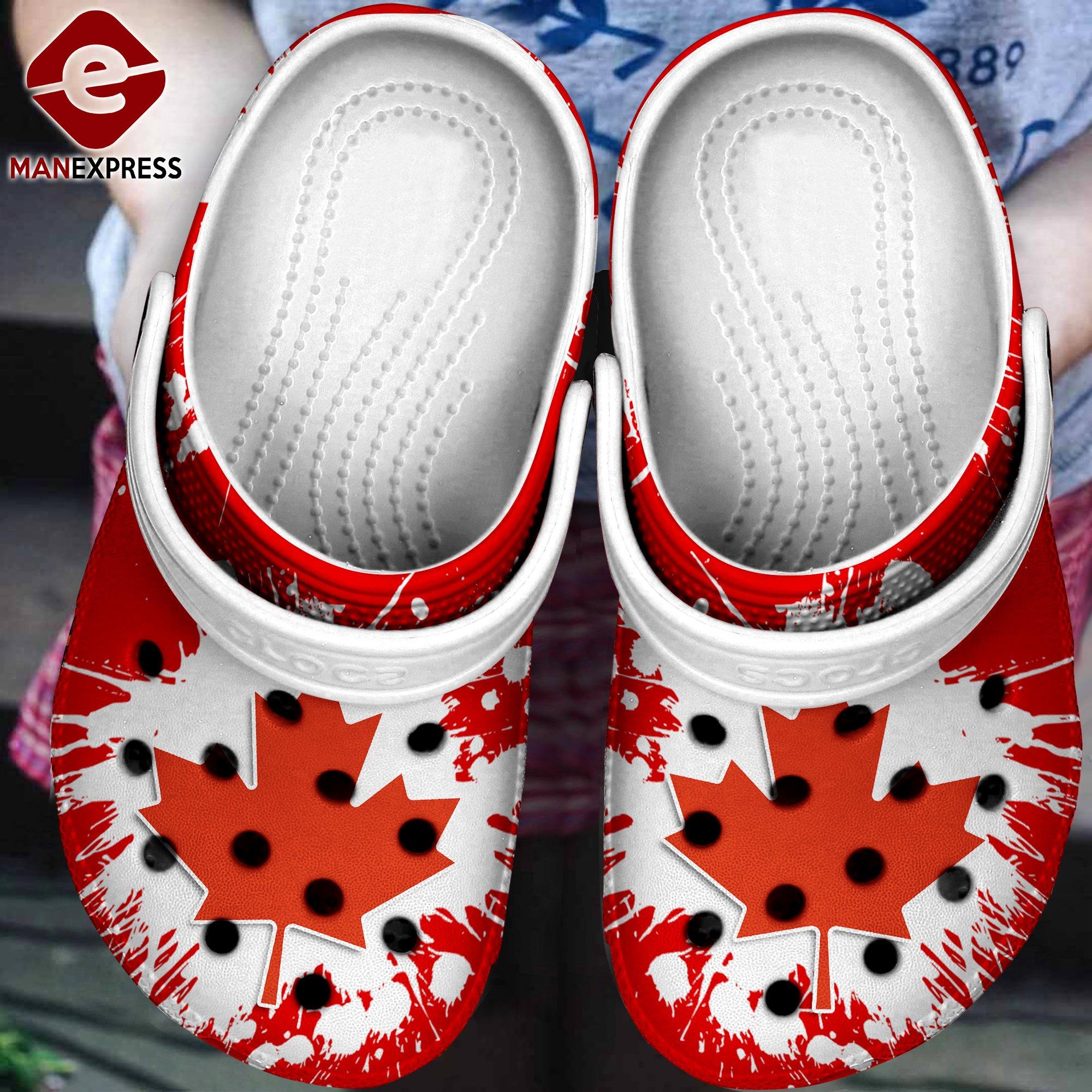 canada flag crocs 1