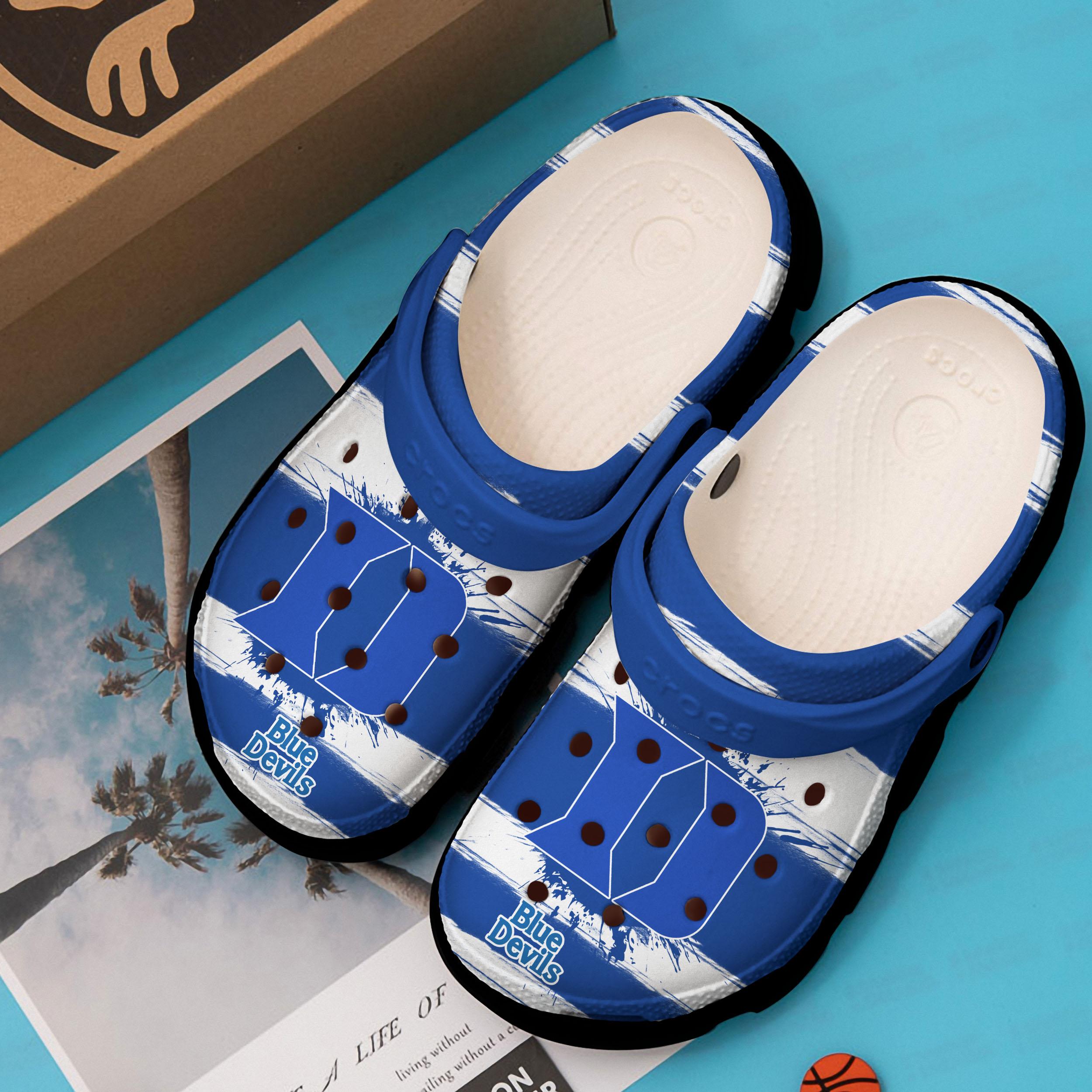 duke blue devils mens basketball crocs 1