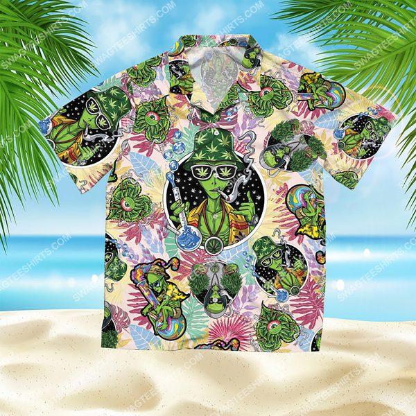 summer time tropical alien cannabis all over print hawaiian shirt 2(1)
