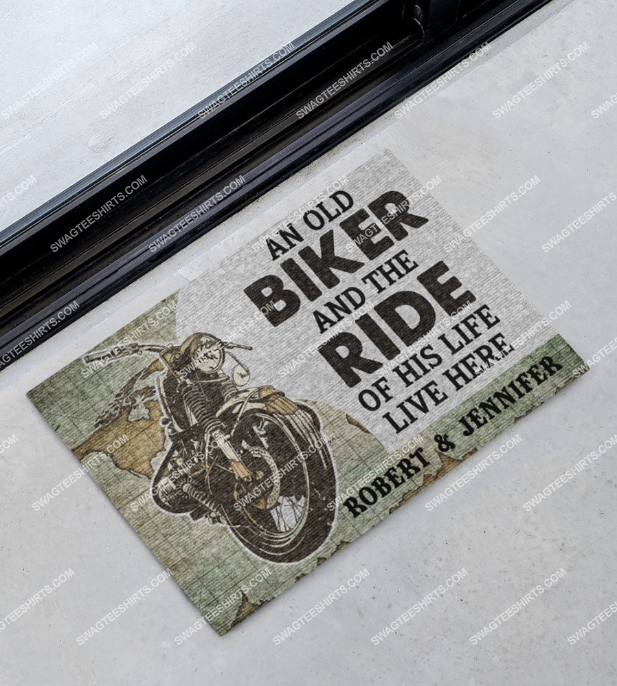custom name an old biker and the ride of his life live here doormat 3(1)