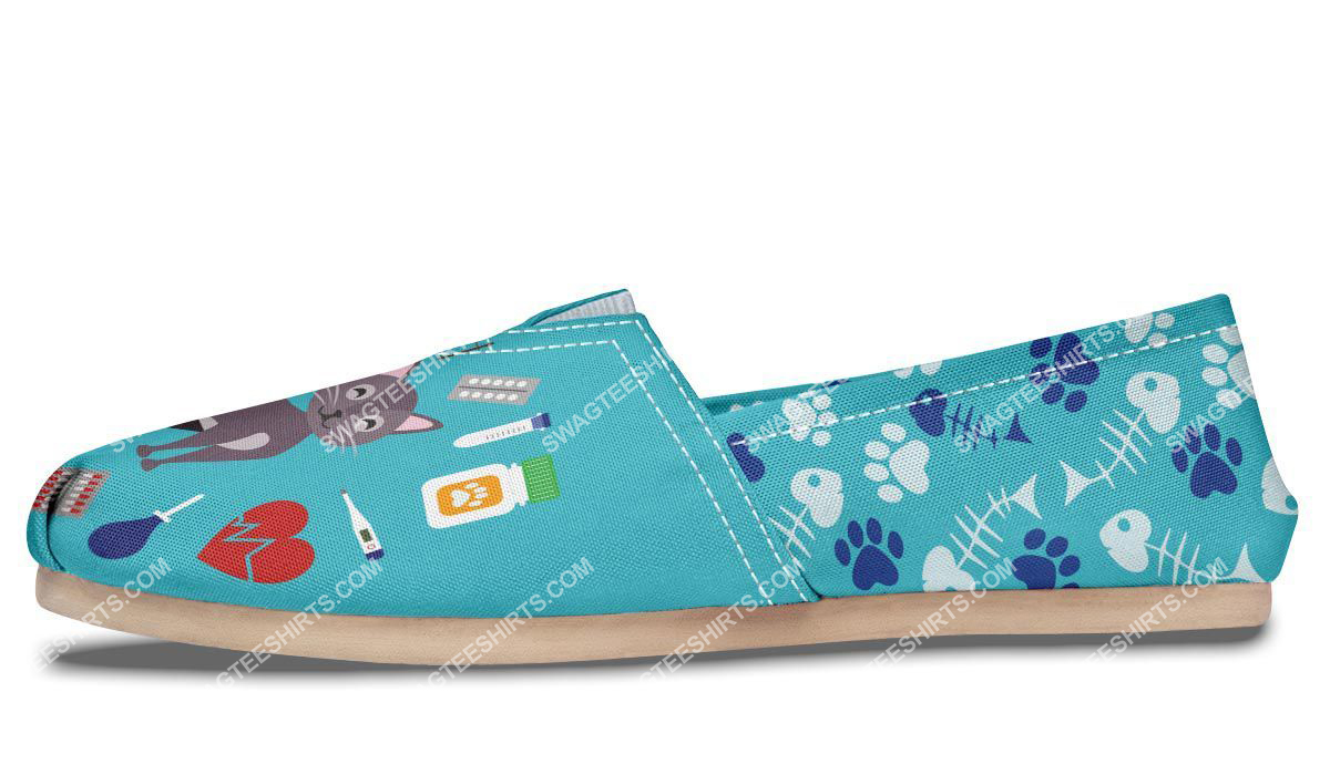veterinarian dogs and cats lover all over printed toms shoes 4(1)