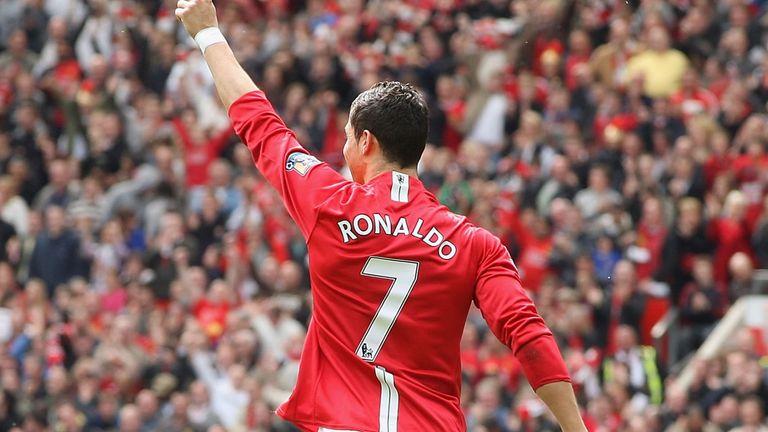 Cristiano Ronaldo lands in the United Kingdom