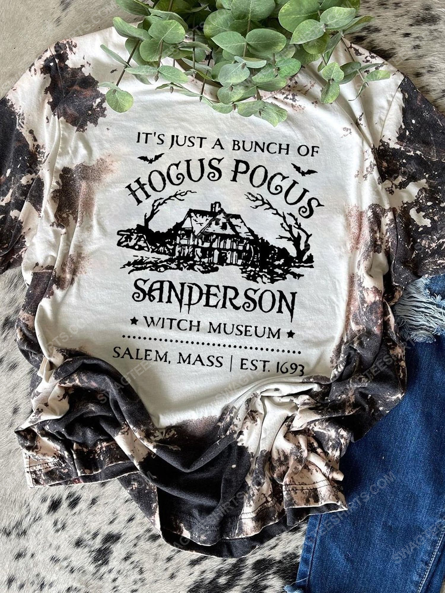 Halloween it's just a bunch of hocus pocus sanderson witch museum shirt 1 - Copy (2)