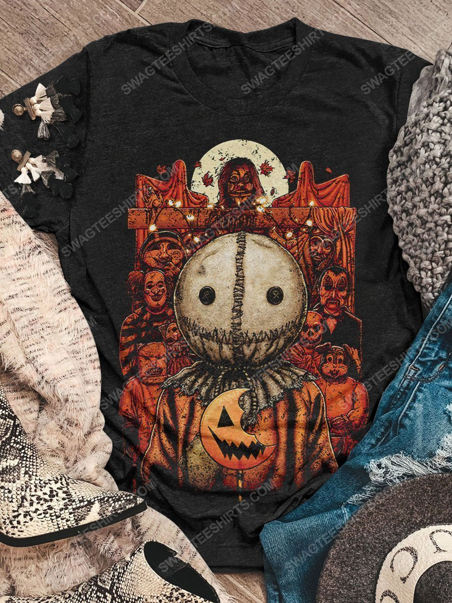 Halloween night and trick or treat scary movie shirt 1